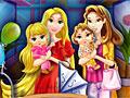 Мамы принцессы Диснея в магазине
