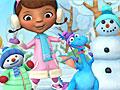 Доктор Плюшева лепит снеговика