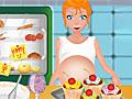 Беременная готовит маффины