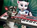 Говорящий кот Том за фортепиано